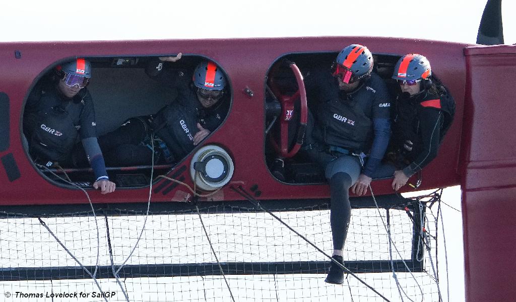 Spanien SailGP - Team GB kentert