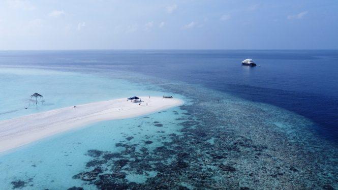 Unvergessliche Yachtcharter auf den Malediven mit der Superyacht SAFIRA